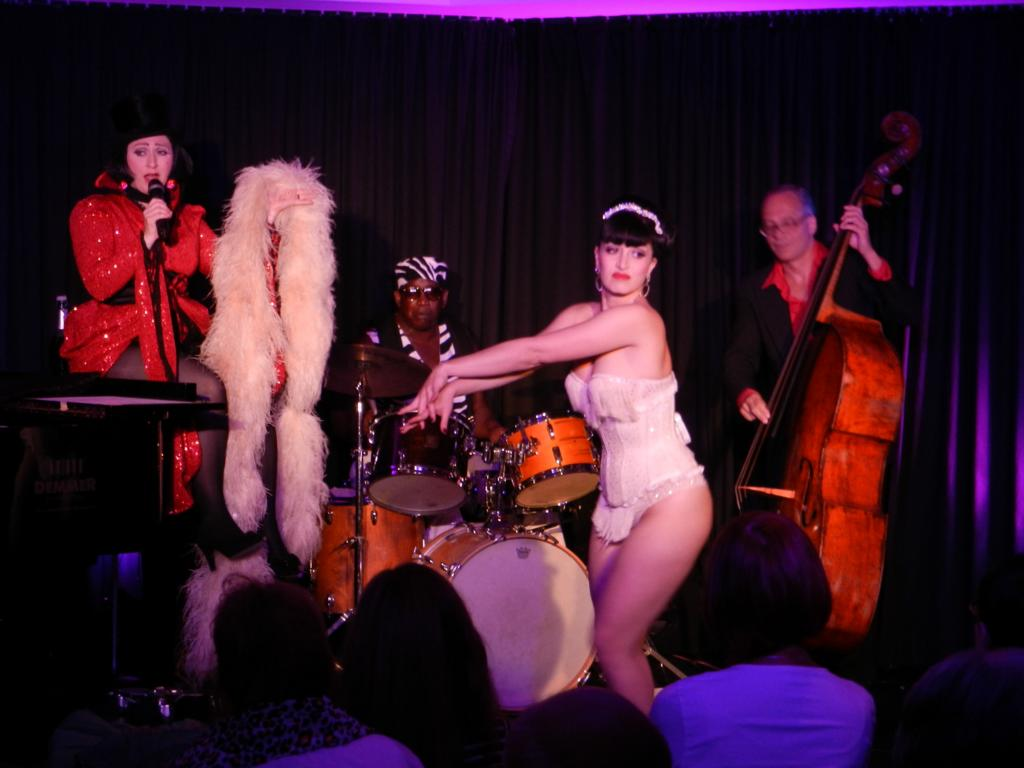 Let`s Burlesque! - Evi & das Tier - 28.09.2014