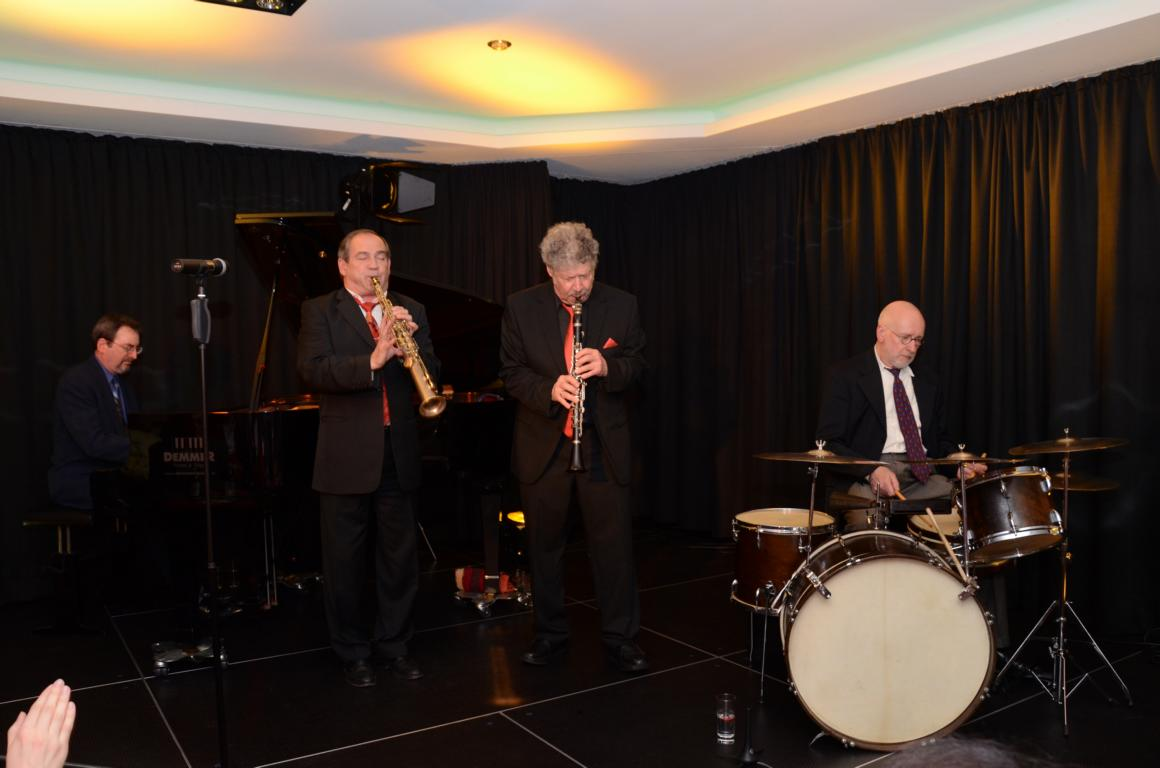 International Trio - 19.04.2014