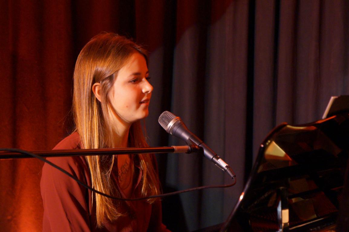 KGB - Madelaine Schmitt - 03.10.2015