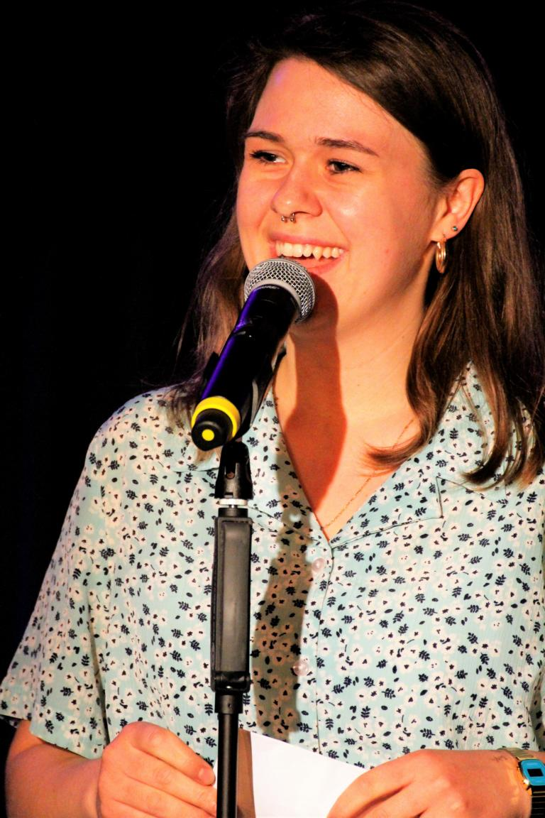 Siegerin Laura Paloma - 1. THING Poetry Slam - 11.05.2019